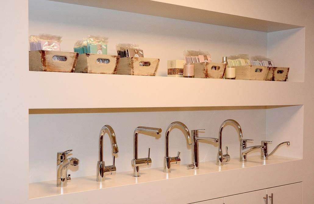 Ein Teil der Armaturen- Auswahl der Badausstellung bei Vervoorts GmbH in Kleve- Kranenburg