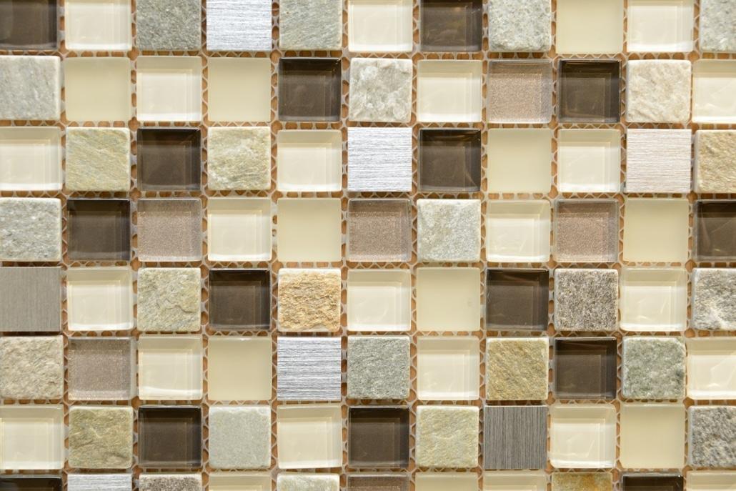 Badezimmerfliesen im Mosaik in der Badausstellung bei Vervoorts aus Kleve- Kranenburg