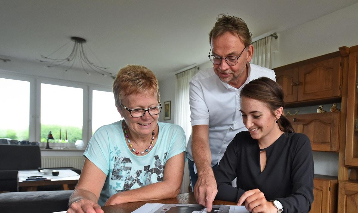 Der zweite Schritt der Badsanierung, der Vor-Ort-Termin beim Kunden mit Vervoorts, aus Kleve- Kranenburg