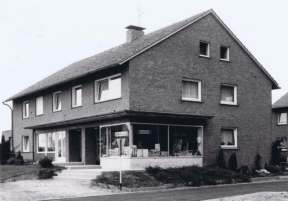 Das Geschäftshaus von der Firma Vervoorts in Kleve- Kranenburg, im Jahre 1961