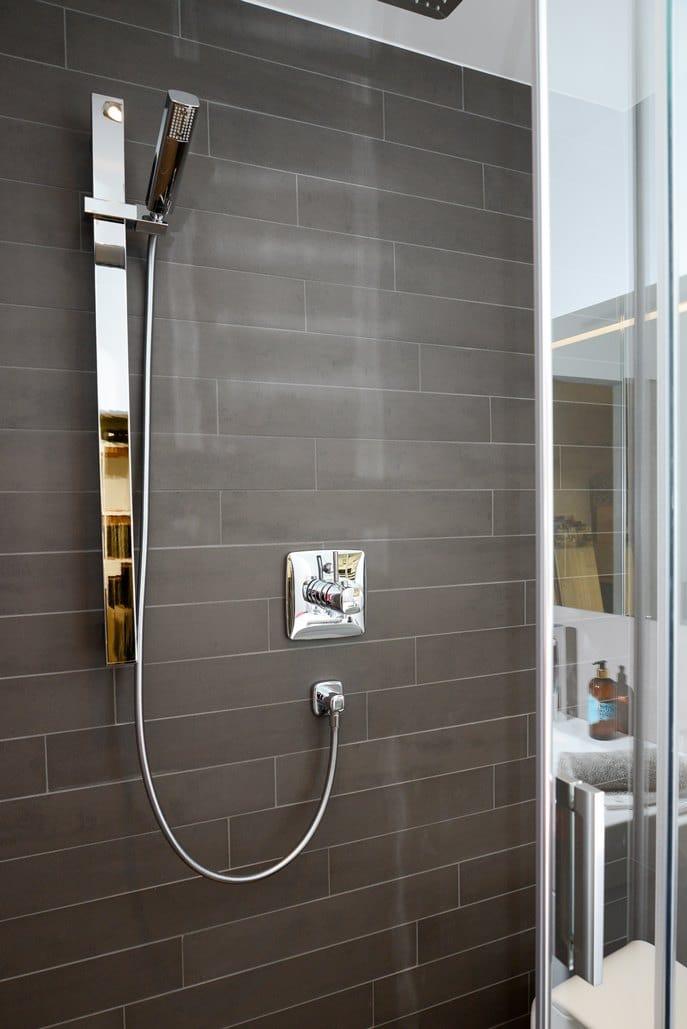 Badausstellung in Kleve-Kranenburg bei Vervoorts GmbH, eine moderne Duscharmatur