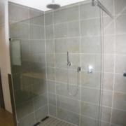 Nach der Badsanierung die Dusche im Fertighaus, durch Vervoorts GmbH in Kleve-Kranenburg
