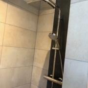 Kundenreferenz Badsanierung in Emmerich, das neue Bad mit Dusche von Vervoorts GmbH in Kleve-Kranenburg