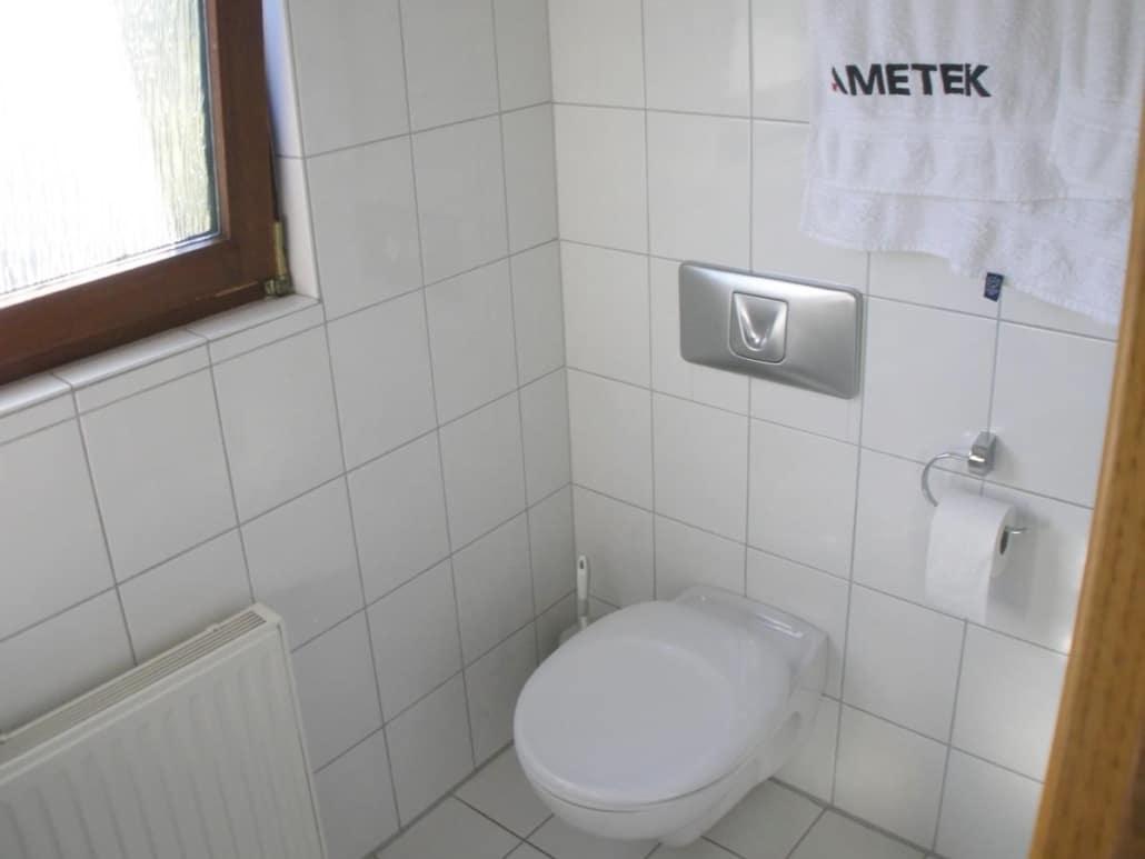 Vor der Badsanierung des WC- Bereiches im Fertighaus, durch Vervoorts GmbH in Kleve-Kranenburg