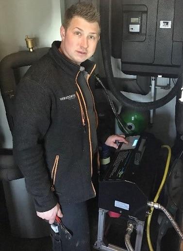 Für den Heizungs Notdienst in Kleve und Umgebung im Einsatz, Monteur Benedikt